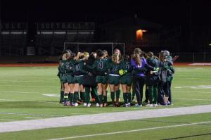 Girls Varsity Soccer Team Advances to Playoffs!